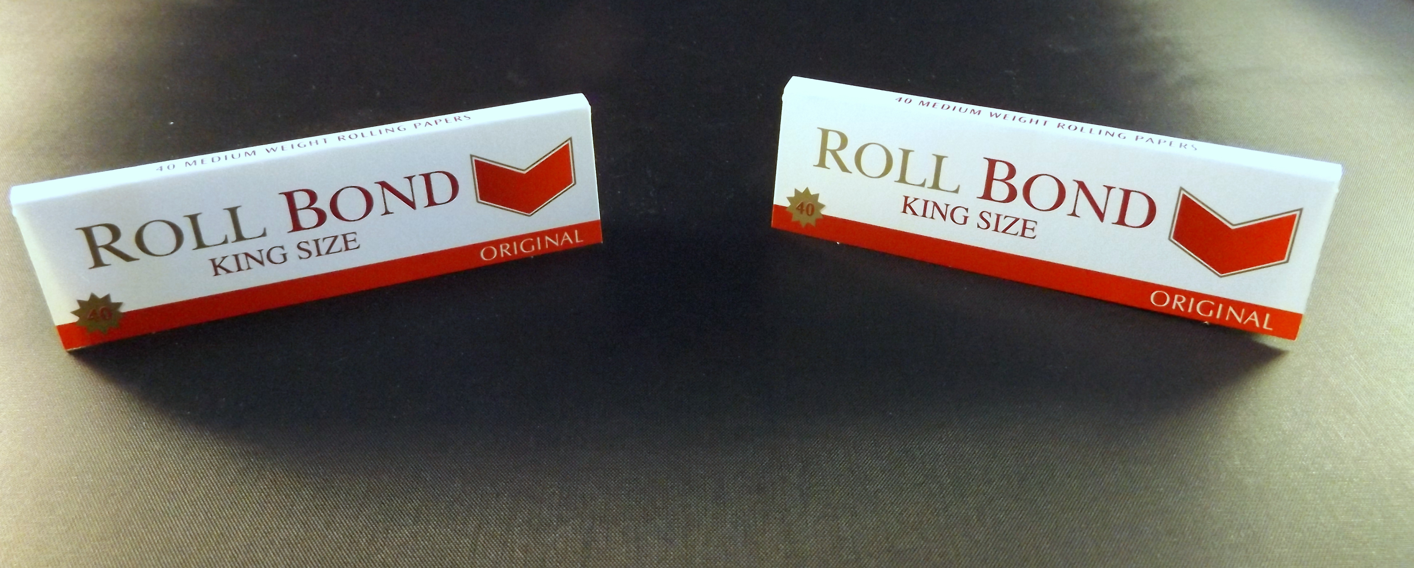 A ROLL BOND KING SIZE SLIM ROLLING PAPERS